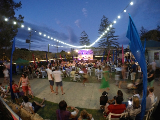 Slip on Stereo performing at Bleach* Boulevard on the Village Green, Currumbin Wildlife Sanctuary on Sunday night
