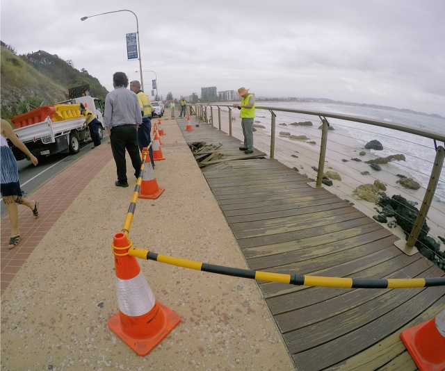 One lane of Kirra Point walking and cycle way closes
