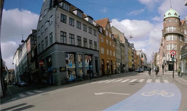 Bicycle lane... keep right!