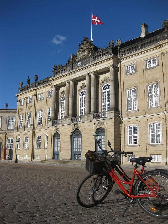 Visiting the palace...